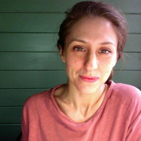 Dr Lynn Tandler